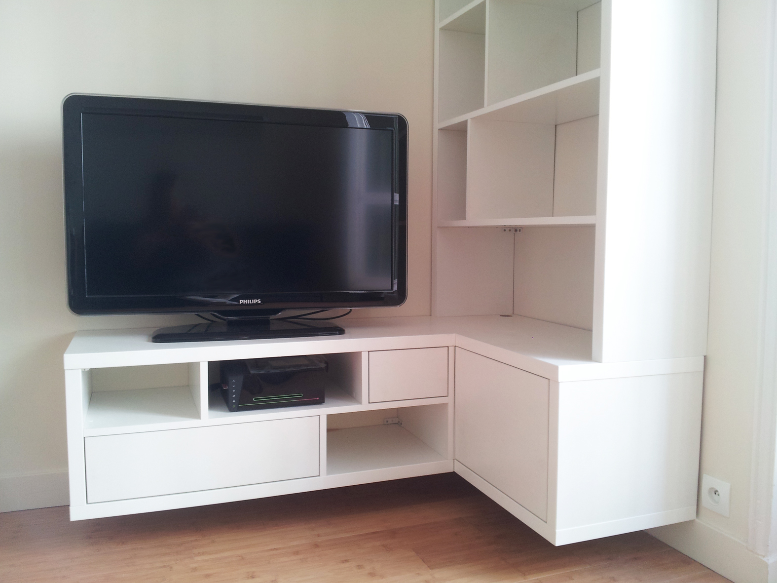 Meuble Tv Philips Trendy Philips Sts With Meuble Tv Philips  # Meuble Tv Pour Barre De Son