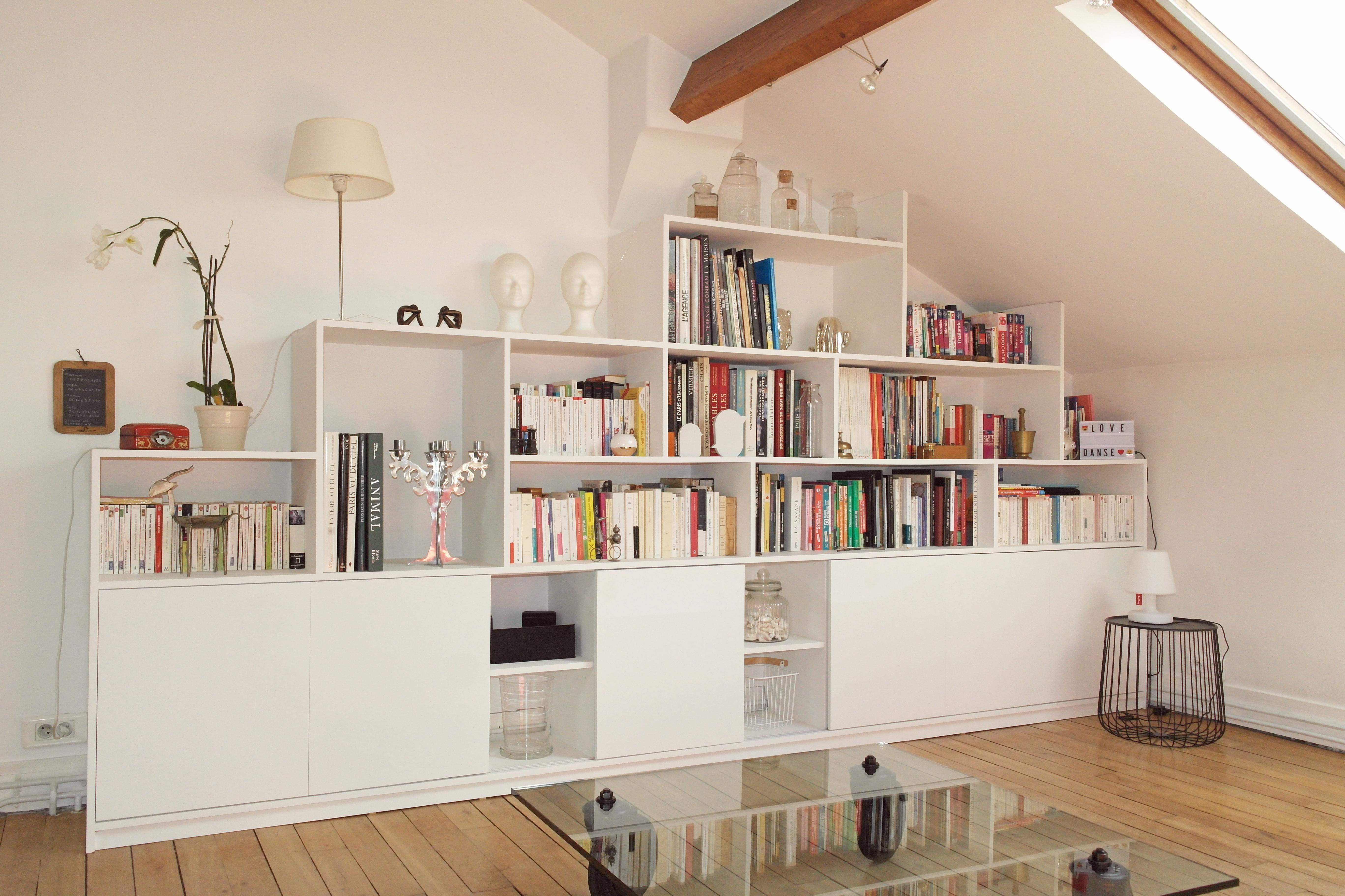 biblioth que sur mesure et sous pente la decorruptible. Black Bedroom Furniture Sets. Home Design Ideas